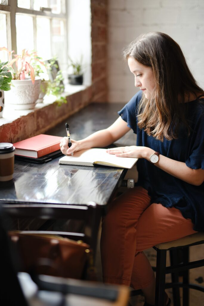 "Photo by <a href=""https://unsplash.com/@hannaholinger?utm_source=unsplash&utm_medium=referral&utm_content=creditCopyText"">Hannah Olinger</a> on <a href=""https://unsplash.com/s/photos/treat-your-classes-like-a-job?utm_source=unsplash&utm_medium=referral&utm_content=creditCopyText"">Unsplash</a>"